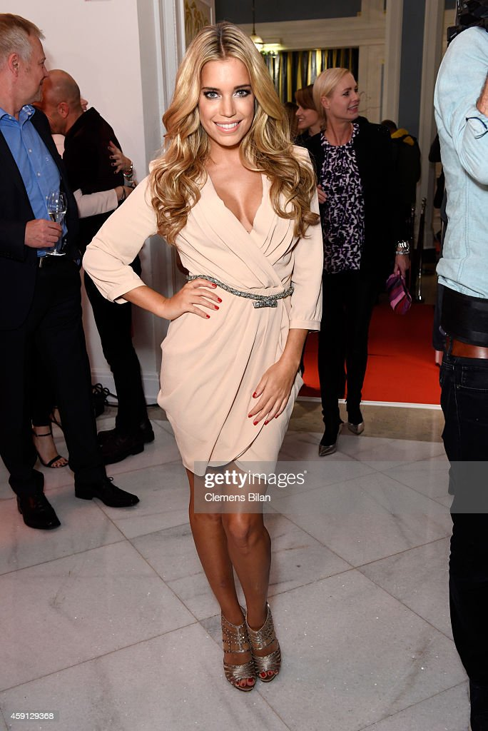 <a gi-track='captionPersonalityLinkClicked' href=/galleries/search?phrase=Sylvie+Meis&family=editorial&specificpeople=538310 ng-click='$event.stopPropagation()'>Sylvie Meis</a> attends the Deichmann Shoe Step of the Year 2014 at Atlantic Hotel on November 17, 2014 in Hamburg, Germany.