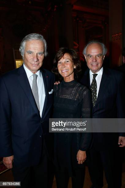 Sylvie Rousseau standing between Frederic Mitterrand and his brother JeanGabriel Mitterrand attend the 'Societe ses Amis du Musee d'Orsay' Dinner...