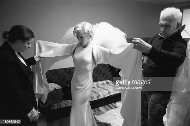 Sylvie Vartan Prepares Her Singing Tour At The Olympia 21 octobre 1999 la chanteuse Sylvie VARTAN prépare à Plaisir dans la salle Coluche son récital...