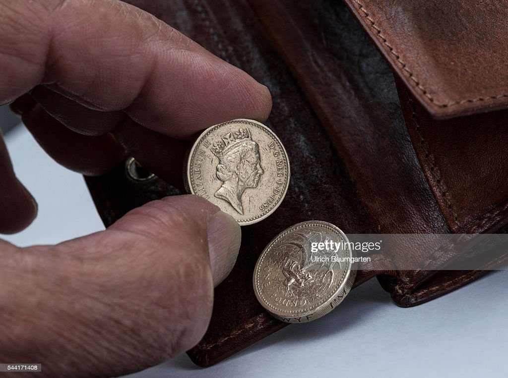 Snap English Pounds Symbol Stock Photo Getty Images Photos On Pinterest