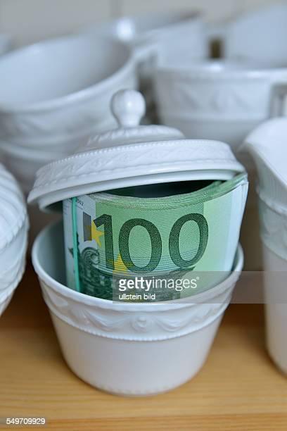Symbolbild Geld Versteck Zuckerdose