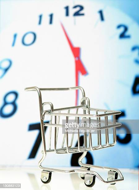 Symbolic for opening time in supermarket