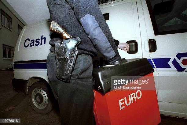 Symbolic picture Armed transportation of Euro money