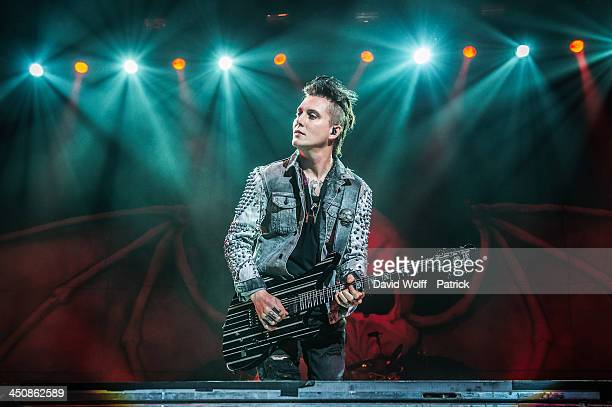 Synyster Gates from Avenged Sevenfold performs at Le Zenith on November 20 2013 in Paris France