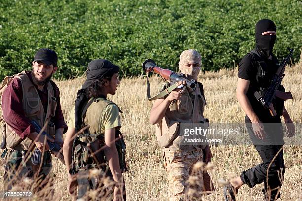 Syrian opposition dispatch new troops to northen Aleppo to support opposition groups fighting against Daesh militants on May 31 2015