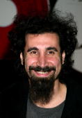 System Of A DownSerj Tankian during System Of A Down InStore Appearance to Support Their New CD 'Steal This Album' at Tower Records Glendale Store in...