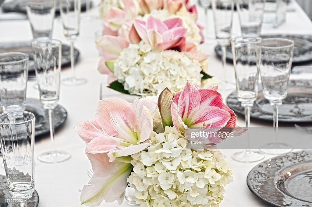 Table at wedding reception, close-up : Stock Photo
