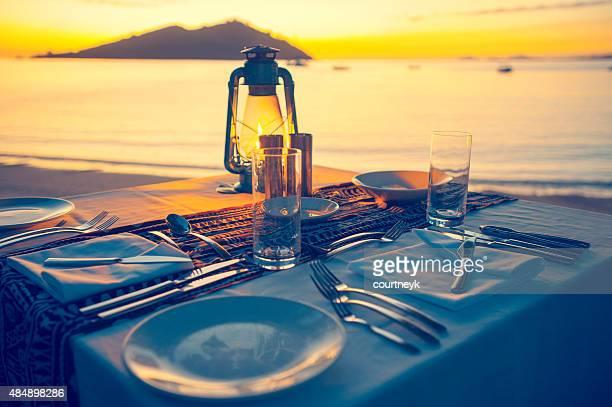Mesa para dos en la playa