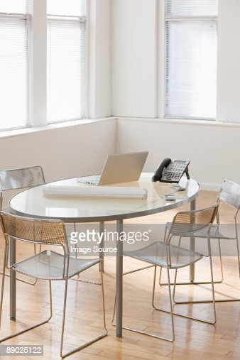 Table in an office : Photo