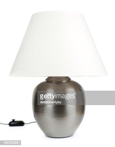 Grand metall lampe de table blanc isolé avec Abat-jour