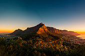 This picture features the Table Mountain in Cape Town, South Africa as seen from the Lion's Head in the trekking course.