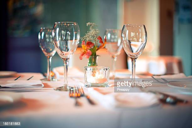 Table setting for dining