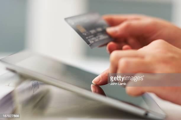 Tablet E-Commerce