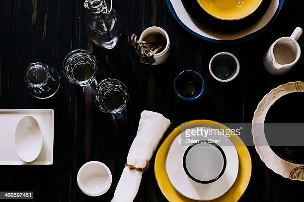 tableware arrangement