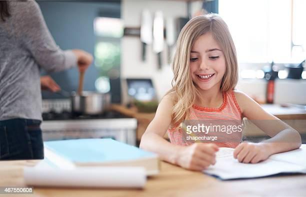 Abordar sus deberes con una sonrisa