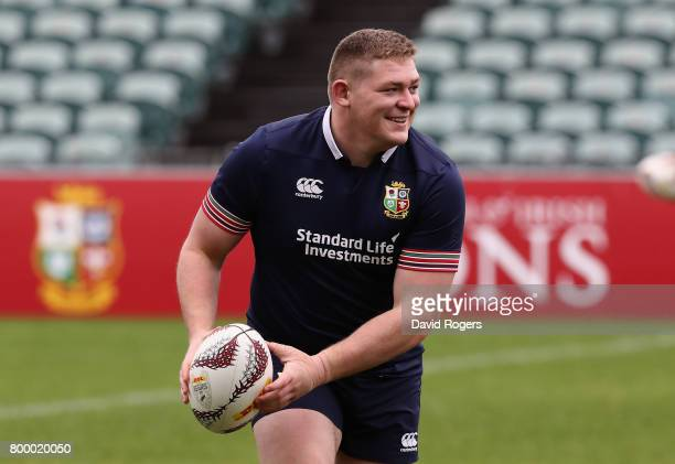 Tadhg Furlong passes the ball during the Lions captain's run at the QBE Stadium on June 23 2017 in Auckland New Zealand