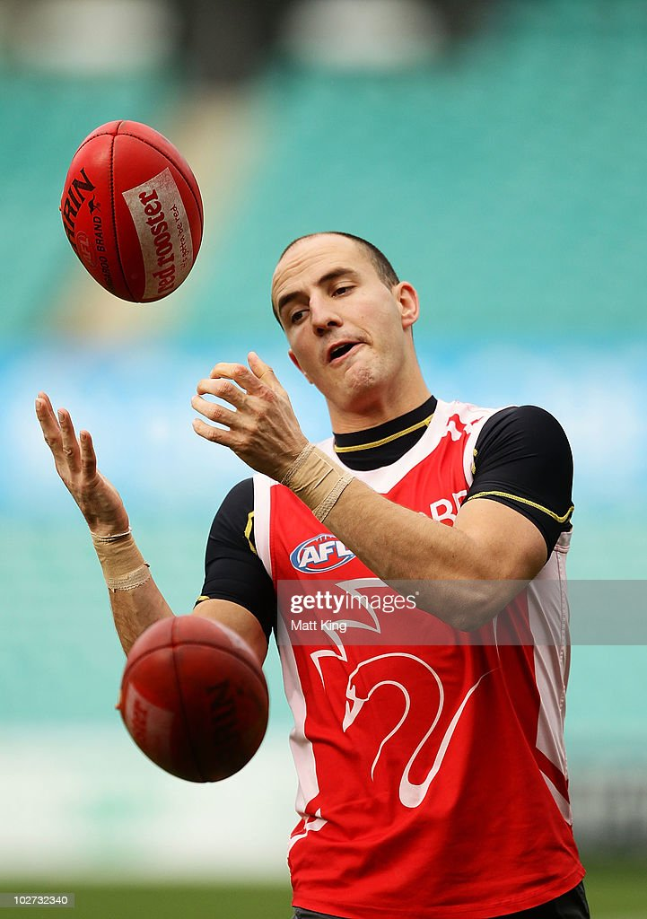 Tadhg Kennelly completes a drill during a Sydney Swans AFL training session at the Sydney Cricket Ground on July 9, 2010 in Sydney, Australia.