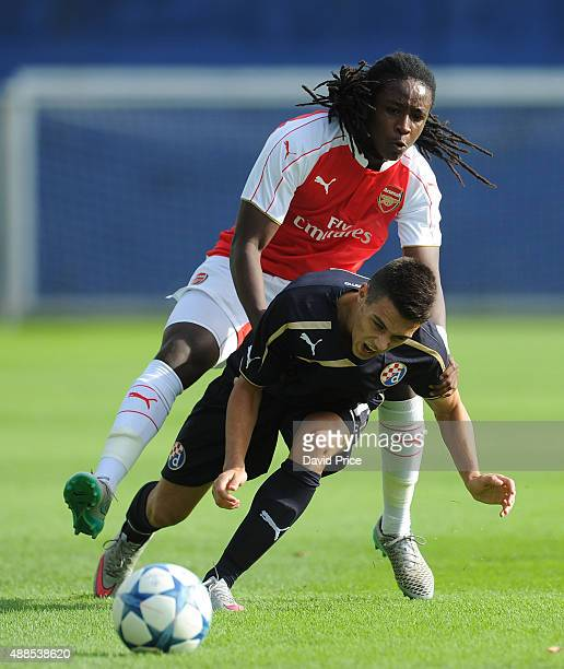 Tafari Moore of Arsenal challenges Josip Brekalo of Dinamon during the UEFA Youth League match between GNK Dinamo Zagreb and Arsenal on September 16...