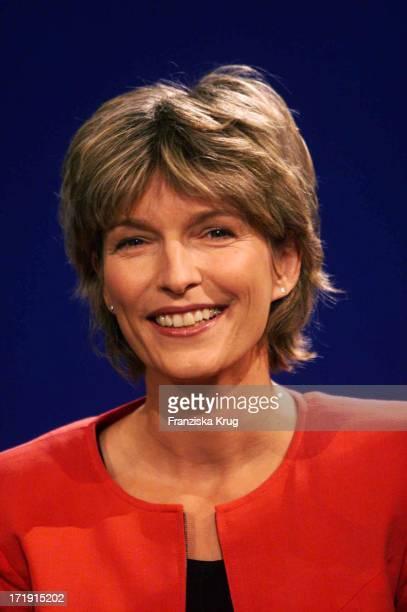 Tagesschau Susanne Holst Auf Der Ifa In Berlin Am 260801