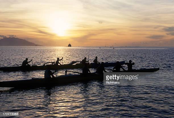 Tahiti les pagayeurs de Papeete