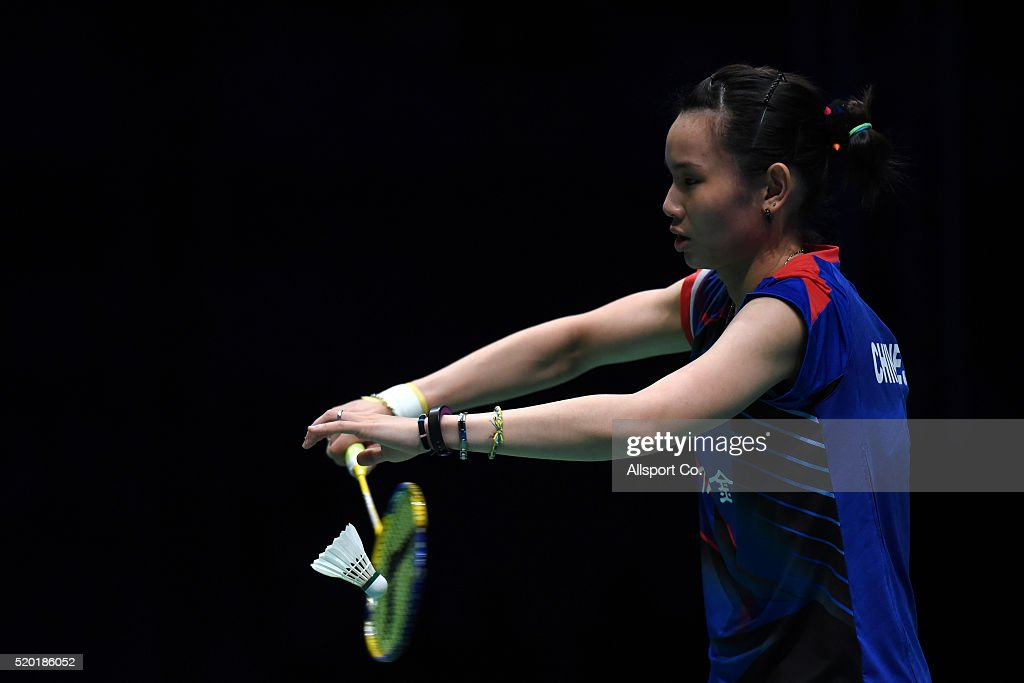 <a gi-track='captionPersonalityLinkClicked' href=/galleries/search?phrase=Tai+Tzu+Ying&family=editorial&specificpeople=7058950 ng-click='$event.stopPropagation()'>Tai Tzu Ying</a> of Chinese Taipei serves to Ratchanok Intanon of Thailand during the Women Singles Final during the BWF World Super Series Badminton Malaysia Open at Stadium Malawati on April 10, 2016 in Shah Alam, Malaysia.