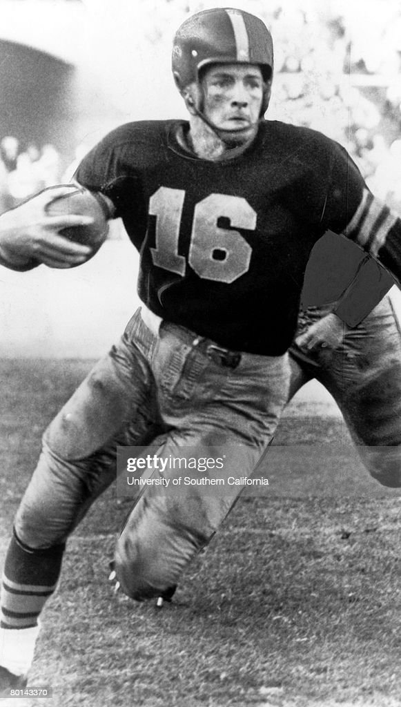Tailback Frank Gifford of the University of Southern California.