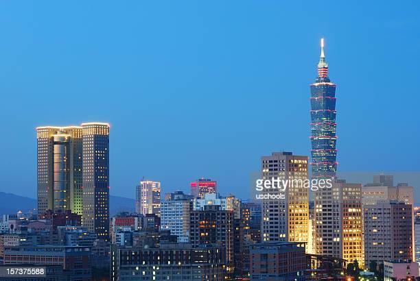 Taipei vue sur la ville au crépuscule