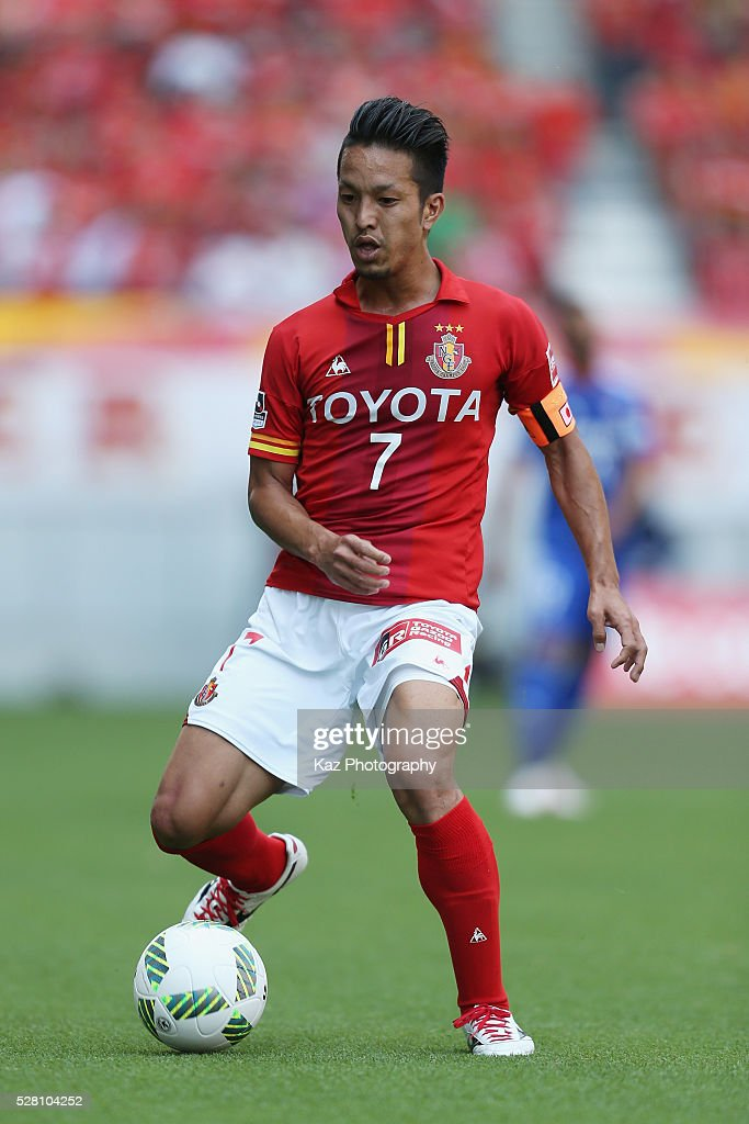 <a gi-track='captionPersonalityLinkClicked' href=/galleries/search?phrase=Taishi+Taguchi&family=editorial&specificpeople=9029654 ng-click='$event.stopPropagation()'>Taishi Taguchi</a> of Nagoya Grampus in action during the J.League match between Nagoya Grampus and Yokohama F.Marinos at the Toyota Stadium on May 4, 2016 in Toyota, Aichi, Japan.