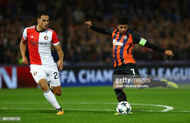 Taison of Shakhtar Donetsk shoots during the UEFA Champions League group F match between Feyenoord and Shakhtar Donetsk at Feijenoord Stadion on...