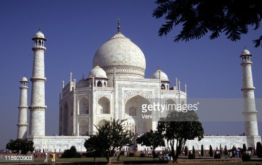 Taj mahal agra india stock photo getty images for Taj mahal exterior design