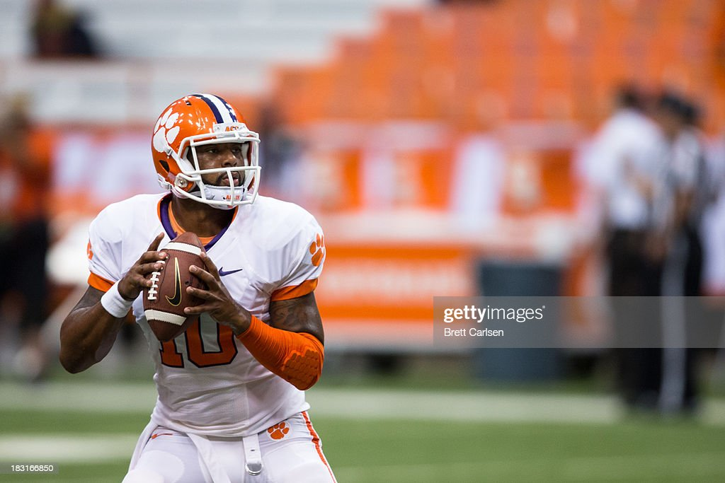 Tajh Boyd #10 of Clemson Tigers warms up before a football game against Syracuse Orange on October 5, 2013 at the Carrier Dome in Syracuse, New York.
