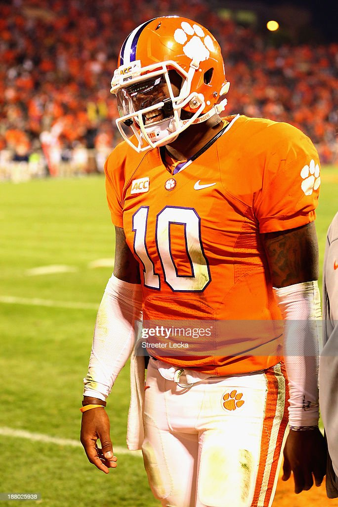 <a gi-track='captionPersonalityLinkClicked' href=/galleries/search?phrase=Tajh+Boyd&family=editorial&specificpeople=7352415 ng-click='$event.stopPropagation()'>Tajh Boyd</a> #10 of the Clemson Tigers winces in pain as he walks off the field after being injured against the Georgia Tech Yellow Jackets at Clemson Memorial Stadium on November 14, 2013 in Clemson, South Carolina.