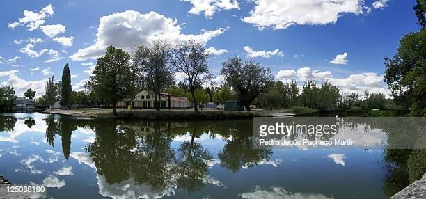 Tajo river in Principe gardens in Aranjuez