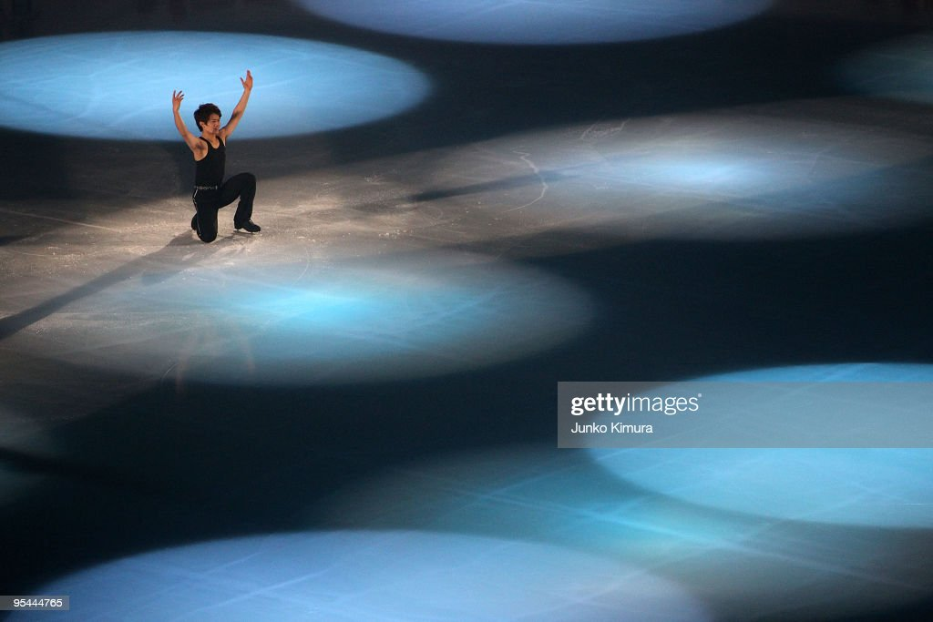 <a gi-track='captionPersonalityLinkClicked' href=/galleries/search?phrase=Takahiko+Kozuka&family=editorial&specificpeople=686867 ng-click='$event.stopPropagation()'>Takahiko Kozuka</a> performs during the All Japan Medalists On Ice at Namihaya Dome on December 28, 2009 in Osaka, Japan.