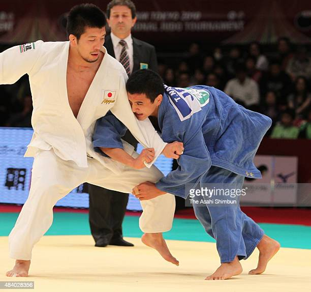 Takahiro Nakai and Masahiro Takamatsu of Japan compete in the Men's 81kg final during day two of the Judo Grand Slam at Tokyo Metropolitan Gymnasium...