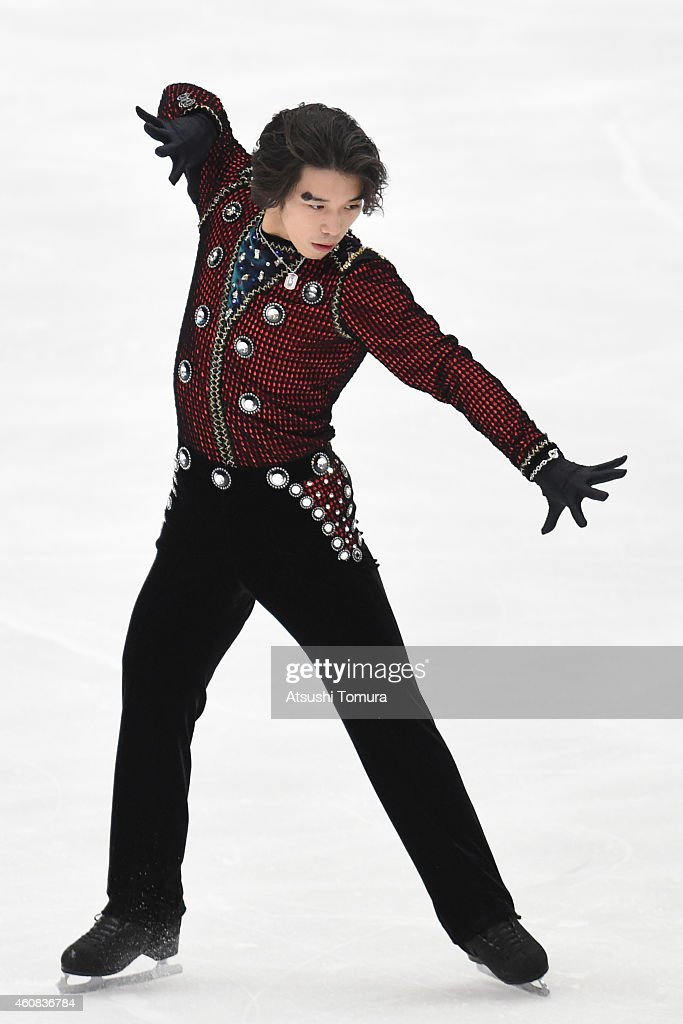 <a gi-track='captionPersonalityLinkClicked' href=/galleries/search?phrase=Takahito+Mura&family=editorial&specificpeople=5621586 ng-click='$event.stopPropagation()'>Takahito Mura</a> of Japan competes in the Men's Short Program during the 83rd All Japan Figure Skating Championships at Big Hat on December 26, 2014 in Nagano, Japan.