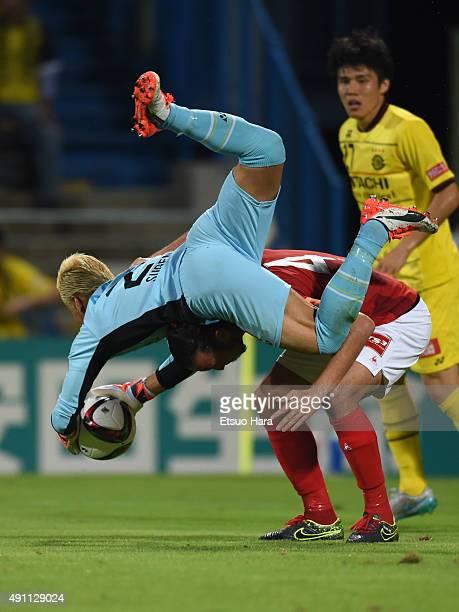 Takanori Sugeno of Kashiwa Reysol in action during the JLeague match between Kashiwa Reysol and Nagoya Grampus at Hitachi Kashiwa Stadium on October...