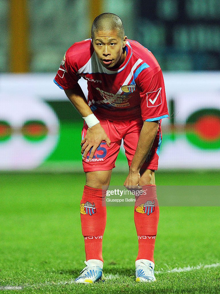 Takayuki Morimoto of Catania in action during the Serie A match between Pescara and Calcio Catania at Adriatico Stadium on December 21, 2012 in Pescara, Italy.