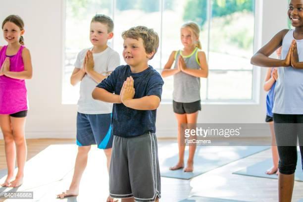 Ein Yoga-Kurs im Fitness-Center