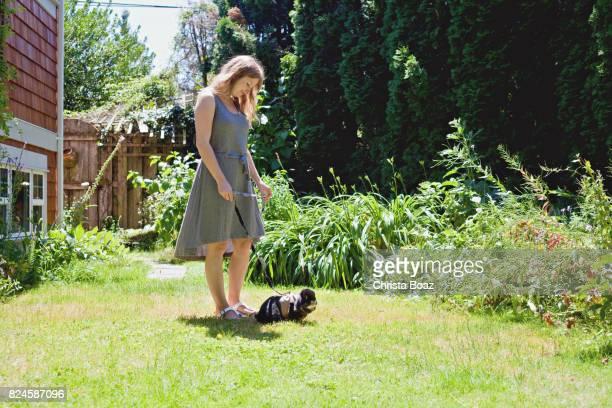 Einnahme von Kaninchen für einen Spaziergang