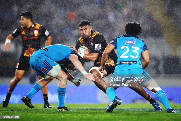 Taleni Seu of the Chiefs charges forward during the round 14 Super Rugby match between the Blues and the Chiefs and Eden Park on May 26 2017 in...