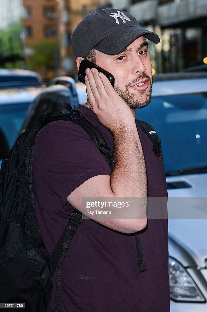 Talent manager Scooter Braun leaves the Universal Republic office building on April 25, 2013 in New York City.