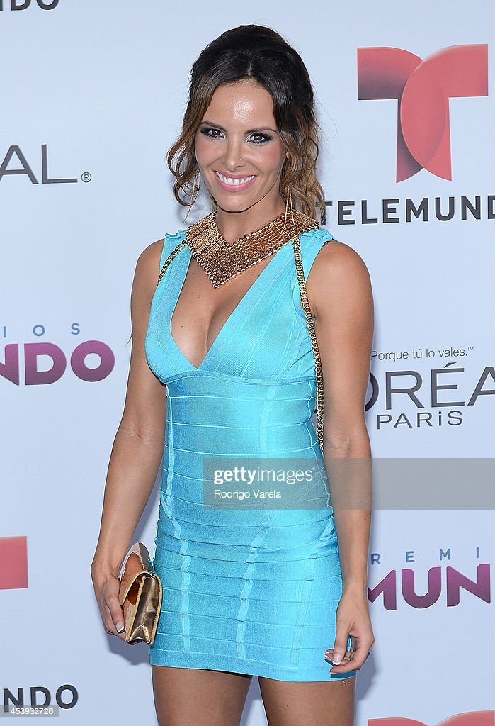 Tali Duclaud arrives at Premios Tu Mundo Awards at American Airlines Arena on August 21, 2014 in Miami, Florida.