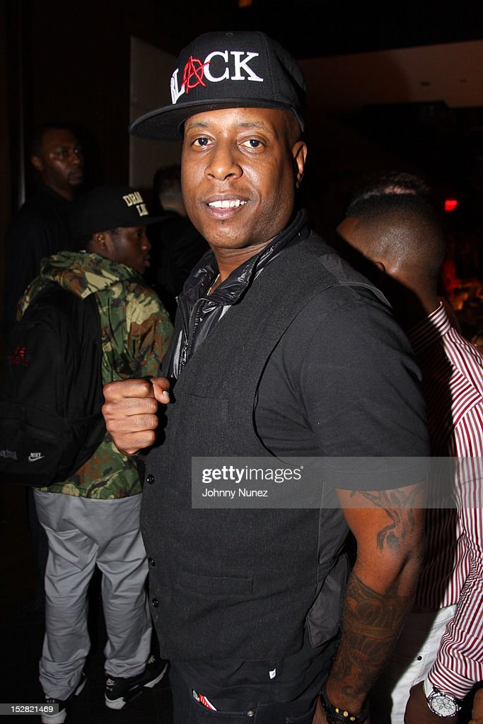 <a gi-track='captionPersonalityLinkClicked' href=/galleries/search?phrase=Talib+Kweli&family=editorial&specificpeople=540348 ng-click='$event.stopPropagation()'>Talib Kweli</a> attends the Premiere Of NBA 2K13 With Cover Athletes And NBA Superstars at 40 / 40 Club on September 26, 2012 in New York City.