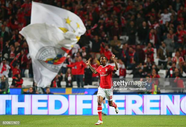 Talisca of Benfica celebrates scoring his team's second goal during the UEFA Champions League quarter final second leg match between SL Benfica and...