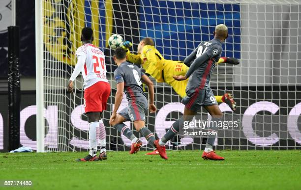 Talisca of Besiktas scores the 2nd Besiktas goal during the UEFA Champions League group G match between RB Leipzig and Besiktas at Red Bull Arena on...