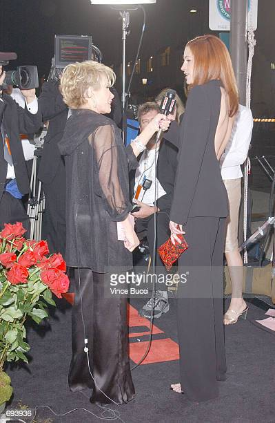 Talk show host Joan Rivers interviews actress Julia Roberts at the 28th Annual Peoples Choice Awards at the Pasadena Civic Center January 13 2002 in...