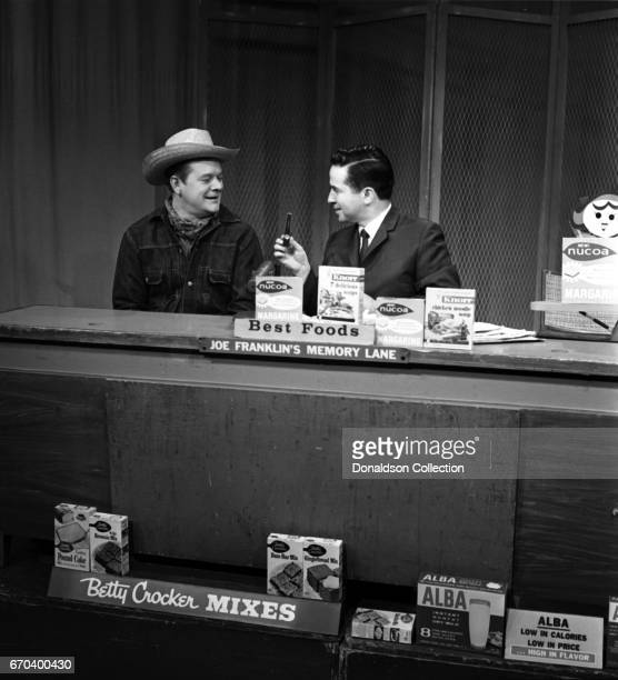 Talk show host Joe Franklin with a guest on the set of his show doing a segment called 'Joe Franklin's Memory Lane' on WABCTV on December 22 1961 in...