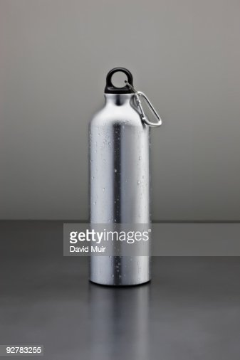 tall metal water bottle : Stockfoto