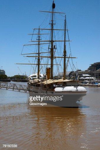 Tall ship in the sea, Corbeta Uruguay, Puerto Madero, Buenos Aires, Argentina : Foto de stock